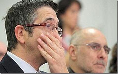 BILBAO(16-10-2010)EL LEHENDAKARI-PATXI LOPEZ ACOMPÑADO POR EL CONSEJERO DE INTERIOR RODOLFO ARES Y JOSE ANTONIO PASTOR DURANTE LAS JORNADAS DE FORMATIVAS ORGANIZADAS POR LAS JUVENTDES SOCIALISTAS//TELEPRESS//