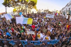 manifestantes-canarias-110614